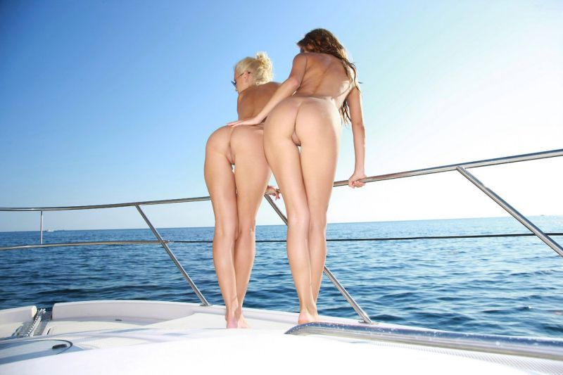Swinger cruise boat