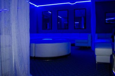 Club Sapphire 03