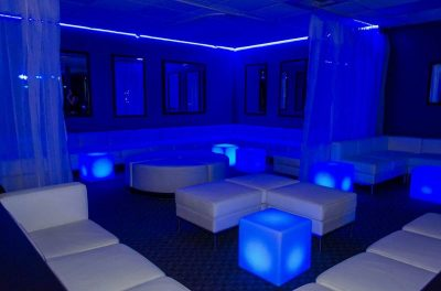 Club Sapphire 04